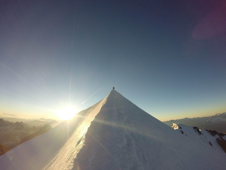 K vrcholu