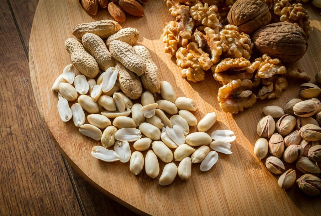 domácí müsli tyčinky lze vyrobit z ořechů