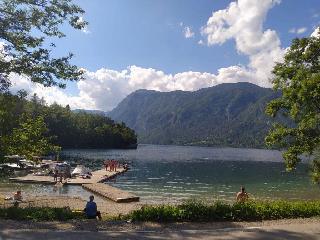 Bohinsjké jezero nabízí i skalní lezení.