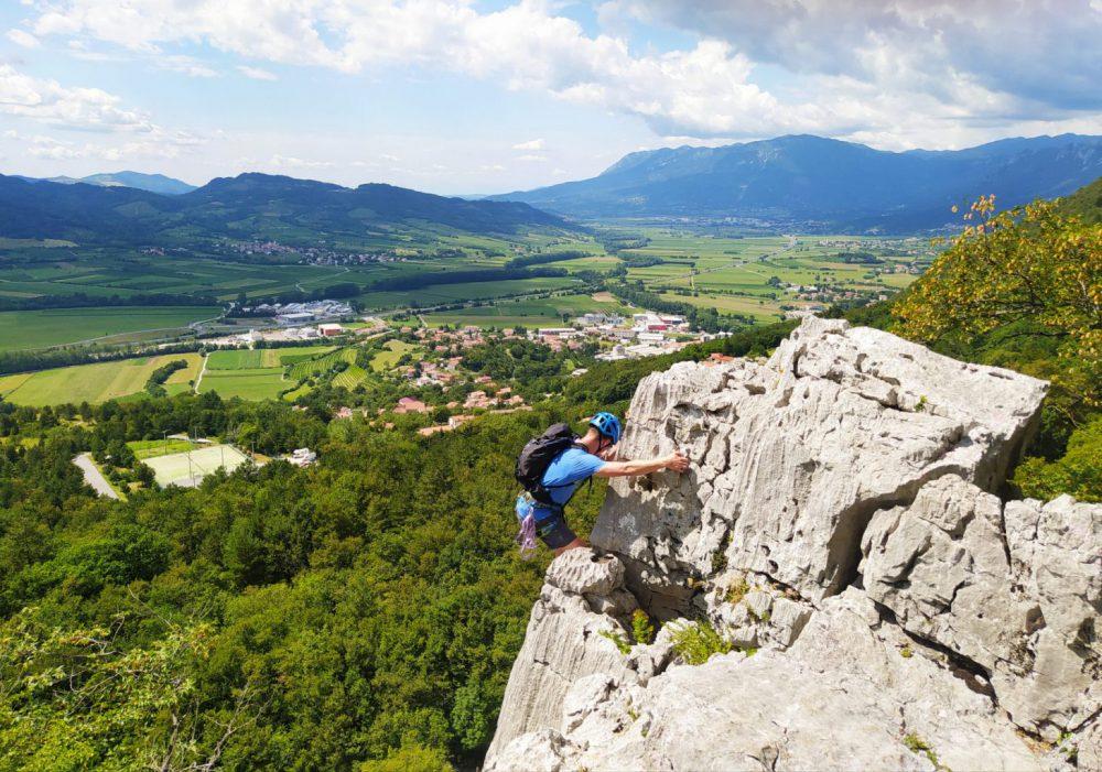 Skalní lezení ve Vipavském údolí.