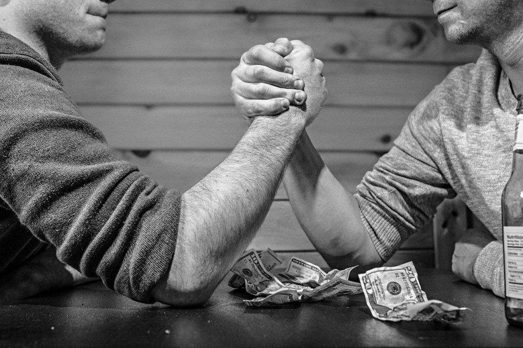 dluh mezi přáteli