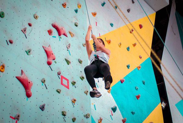 lezení na umělé stěně