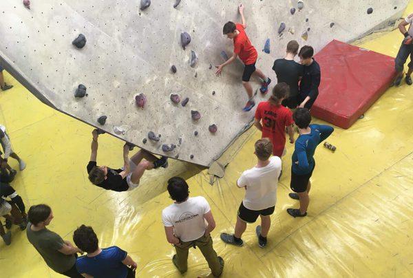 trénink boulderingu