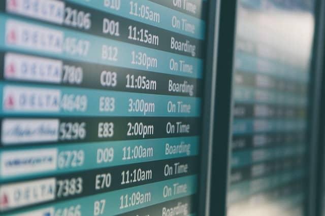 Datum a čas odletu hraje významnou roli při výběru levného cestování po Evropě.